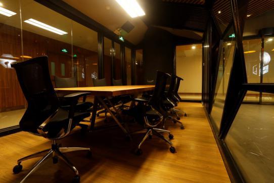 壹间空间:办公室文化的新模式 创业团队,办公室,办公桌,透明度,广州 效果图交流 214635vluguxblya1lbkku